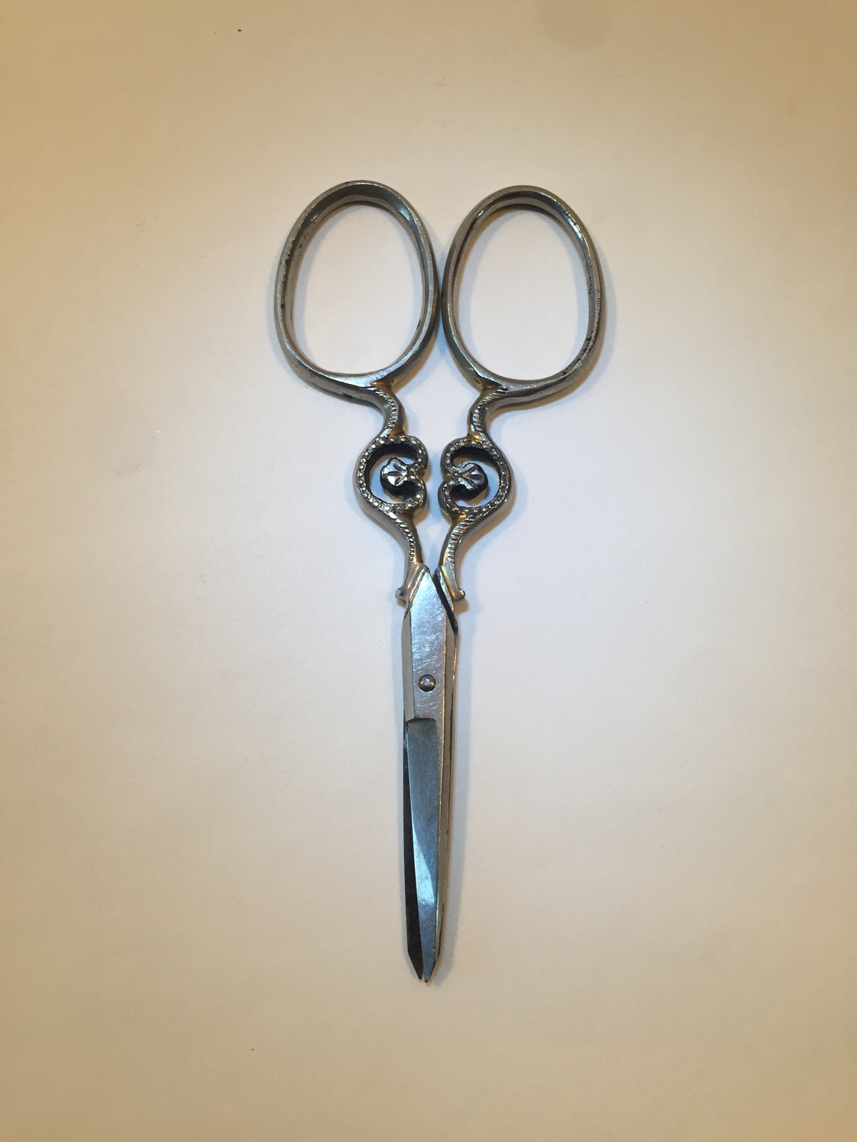 "Vintage Sears Prussia 3.5"" sewing/embroidery scissors"