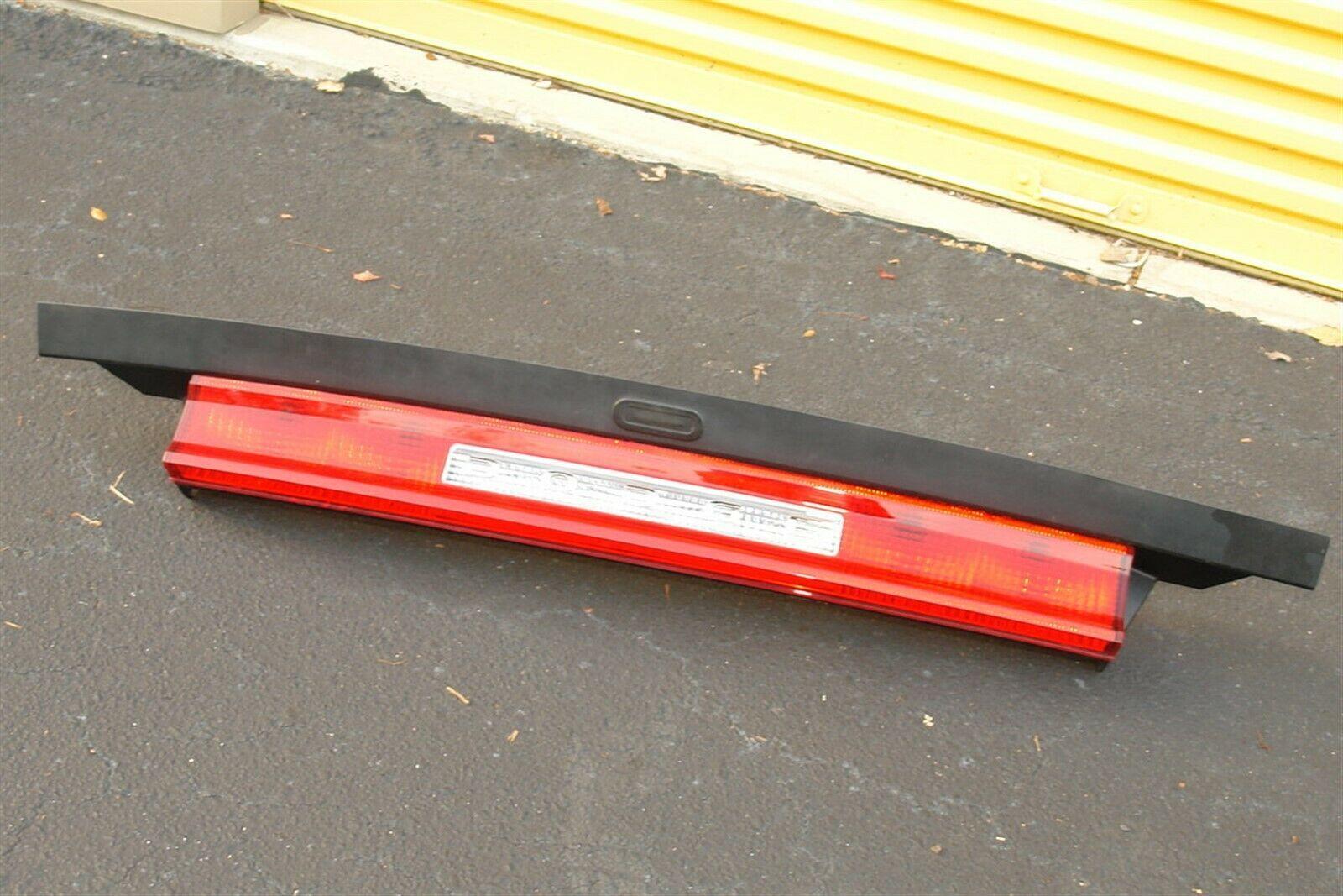 2011-14 Dodge Challenger Trunk Lid Center Tail Light Backup Stop Lamp Panel
