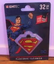 DC Superman 32 Gb Flash Drive/ Keychain By Emtec New Sealed - $7.92