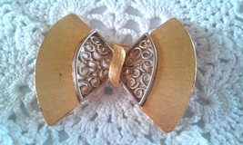Vintage Large Fancy Two Tone Gold Silver Bow Tie Pin Brooch - €2,56 EUR