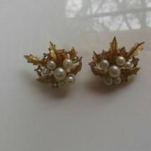 Crown Trifari Signed Gold Tone Faux Pearl/Rhinestone Leaf Clip On Earrings - $38.61