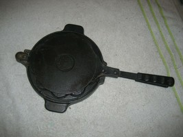 VINTAGE JOTUL CAST IRON WAFFLE MAKER WITH BASE NR. 6 HEART SHAPE MADE IN... - $84.14