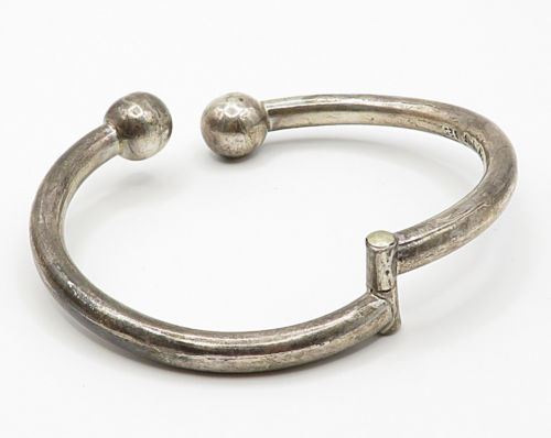 MEXICO 925 Sterling Silver - Vintage Ball Point Detail Bypass Bracelet - B2896