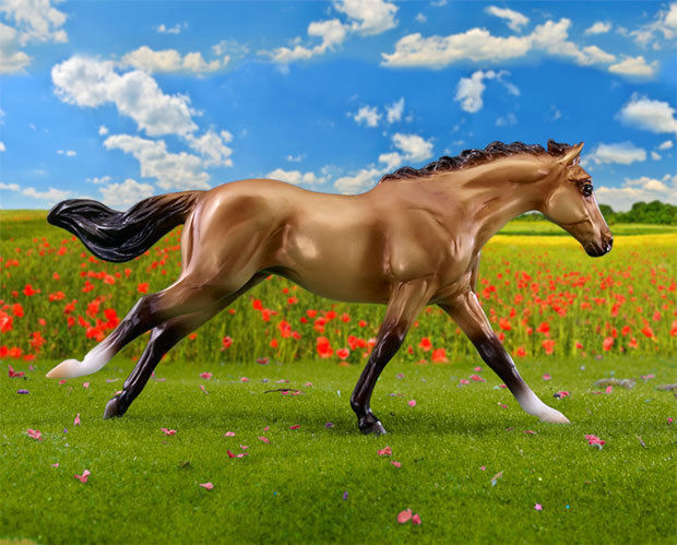 Primary image for <>< Breyer  classic size Bella – 2017 Horse of the Year 5th in the Series 62118