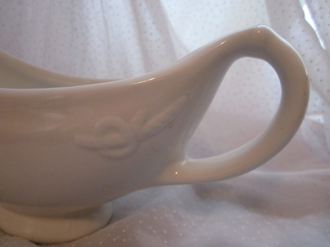 Hall China Restaurant Ware Large Sauce or Gravy Boat Rope Design White