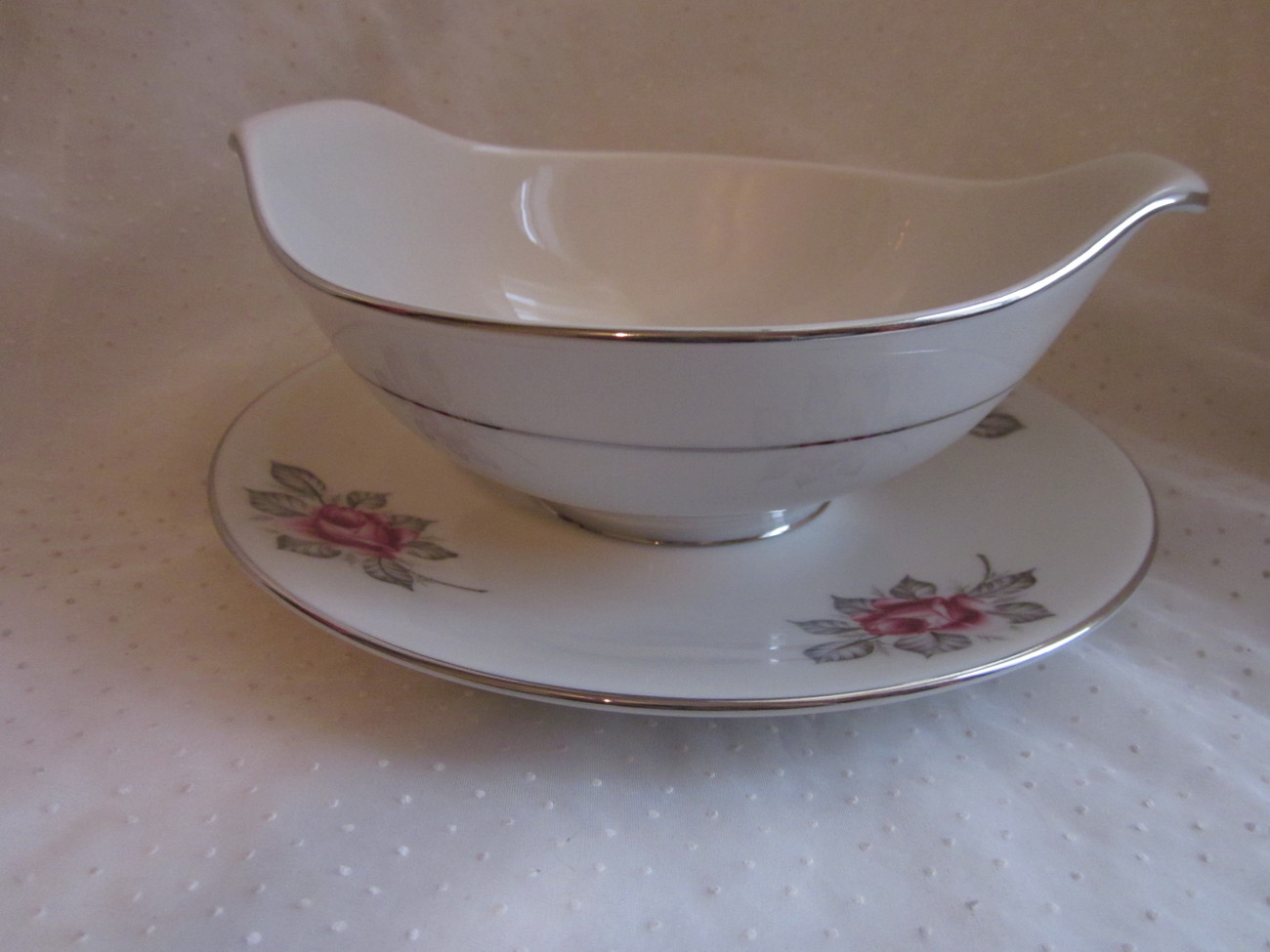 Gravy or Sauce Bowl Royal Jackson Parisienne Normandy Rose Pattern