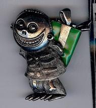 Nightmare Before Christmas  Barrel holding green present Disney pin/pins - $48.37