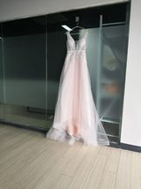 Sexy Sleeveless Deep V Neck Illusion Appliqued Bride Dress A-Line Tulle Luxury W image 3