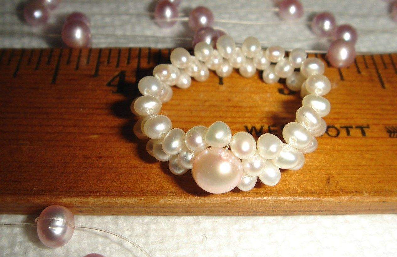 VTG 4 PIECE FLOATING PINK & BLUE PEARL NECKLACE BRACELET EARRING RING LOT 2 SETS