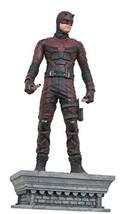 DIAMOND SELECT TOYS Marvel Gallery: Daredevil (Netflix TV Version) PVC F... - $63.61