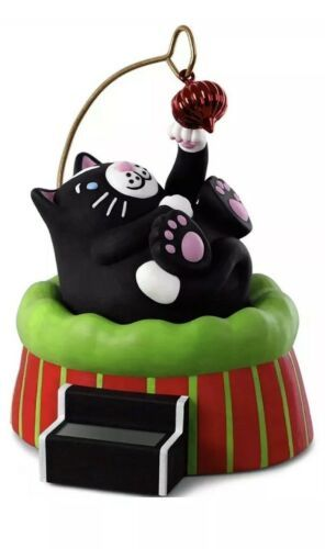 Primary image for HALLMARK 2018 NEW Keepsake Ornament CHRISTMAS CAT Solar Motion FREE SHIPPING