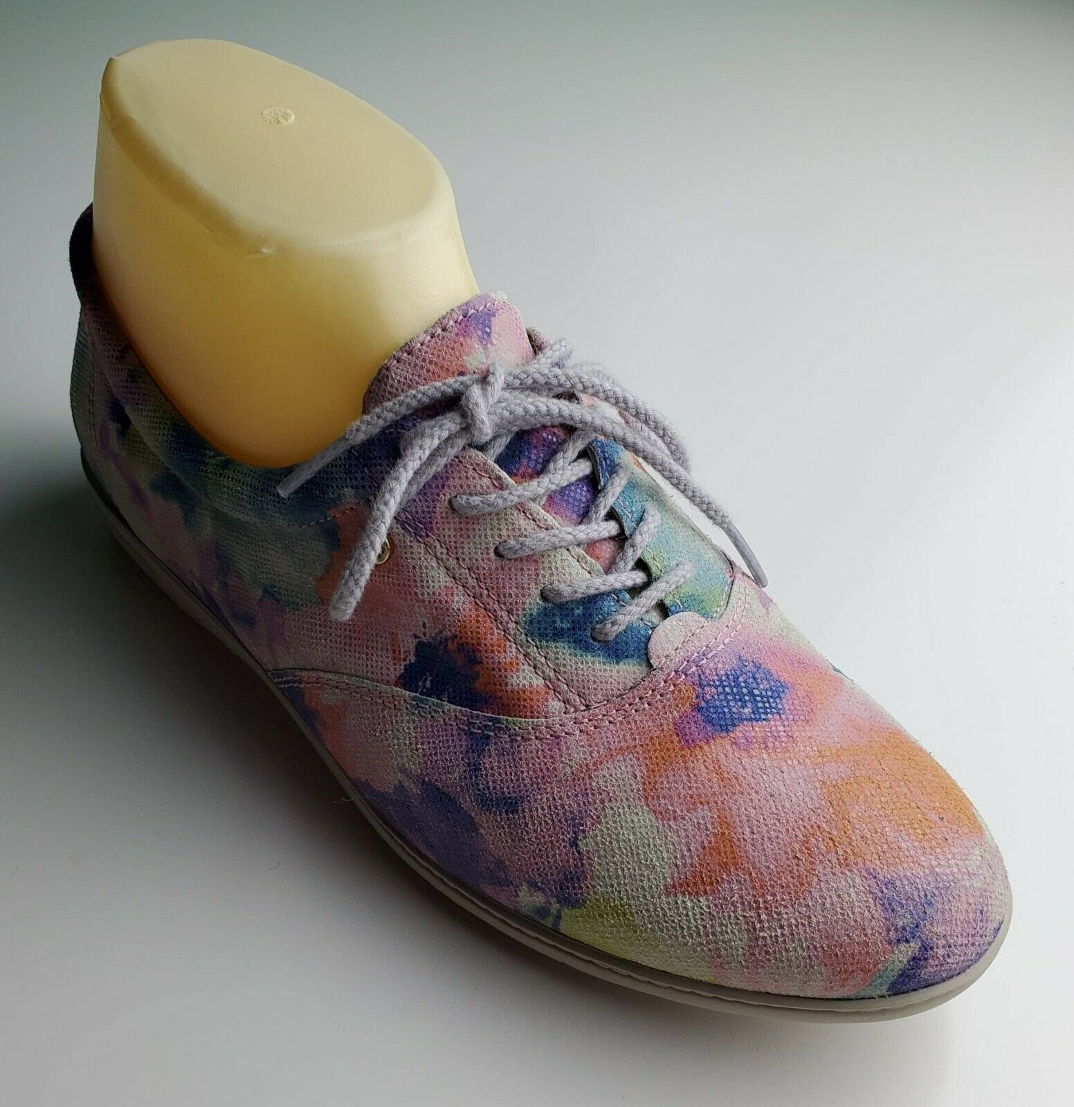Primary image for Colorful Easy Spirit floral lace up sneakers size 7 B