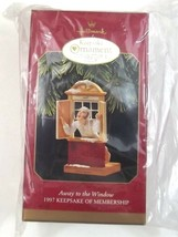 Hallmark Keepsake Ornament Collector's Club Away To The Window 1997 - $5.49