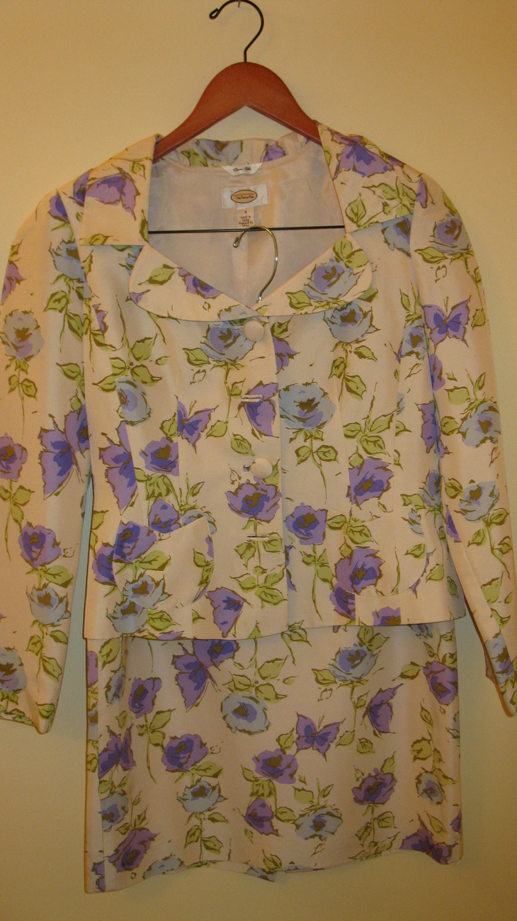Women Suit 2 Piece Skirt and Jacket Floral Size 4 Talbots