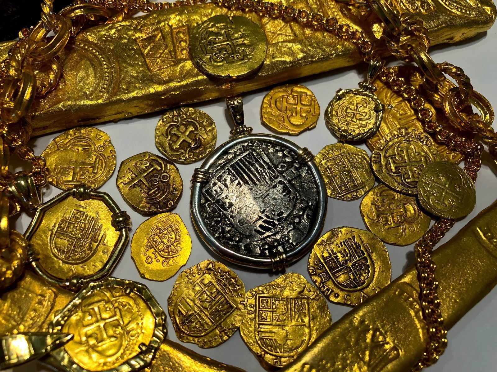 ATOCHA PENDANT 1619 BOLIVIA MEL FISHER COA PIRATE GOLD TREASRUE COIN JEWELERY