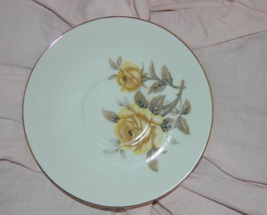 Norleans Saucer Talisman Yellow Rose Gold Trim
