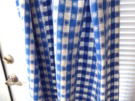 Retro 56 Long by 27 Curtain Drapery 1950s Blue And White Picnic Cloth Reversible image 2