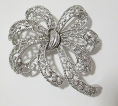 Vintage Signed TRIFARI Large Silver Tone Filigree Ribbon Bow Brooch Pin - $14.00