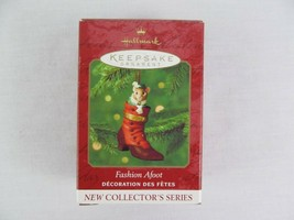 Hallmark Keepsake Ornament Fashion Afoot 2000 Christmas  - $9.89