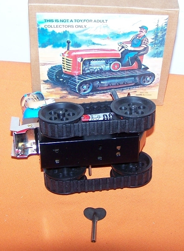 Caterpillar Wind Up Toy Tractor Dozer New Boxed