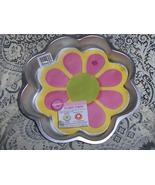 Wilton Flower Power Cake Pan with Insert and Booklet Retired - $19.00