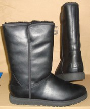 UGG MICHELLE Black Leather Water Resistant Boots Size US 6, EU 37 NIB #1... - $2.007,66 MXN