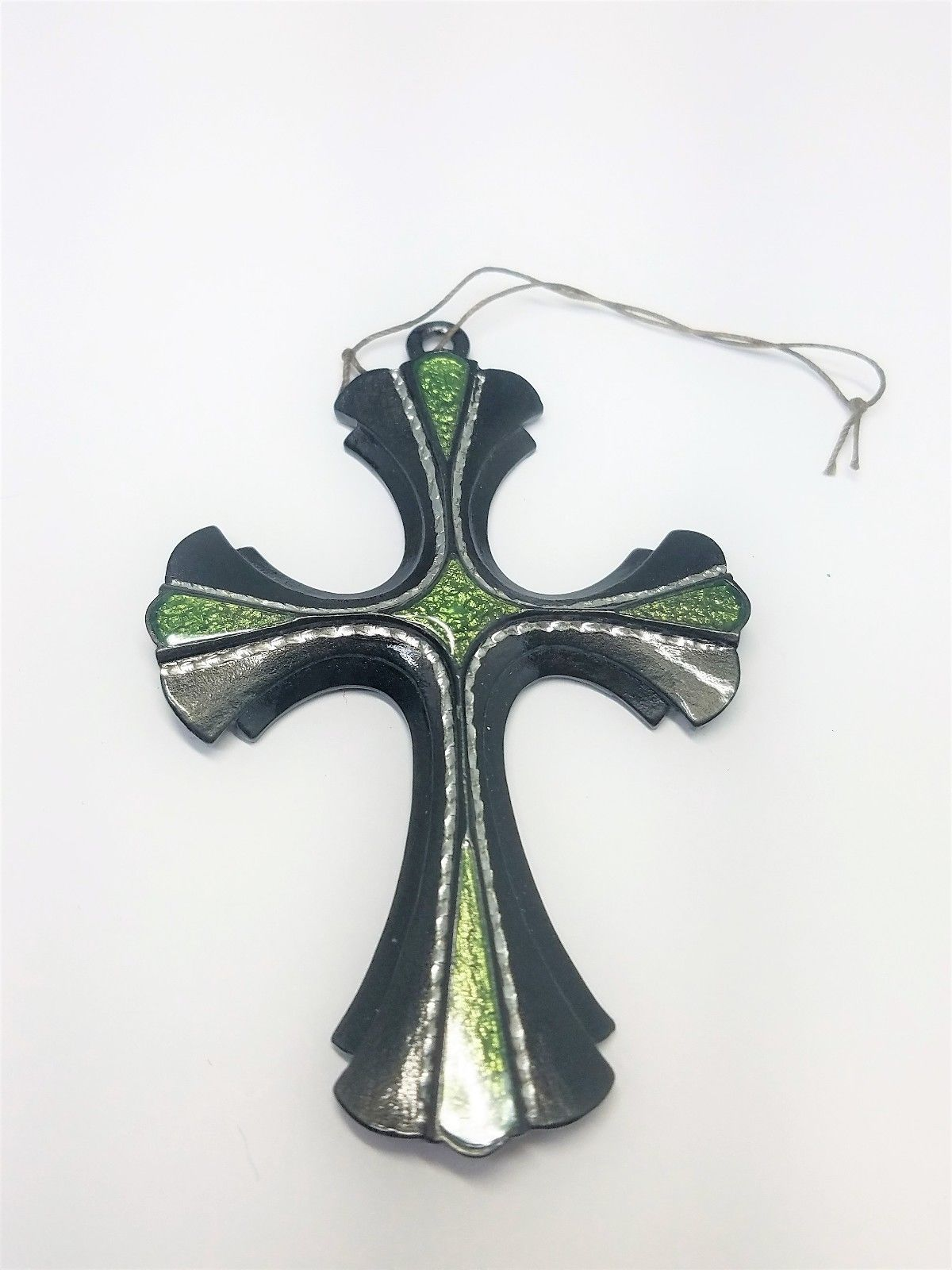 Sarah Coventry 1976 Limited Edition 18th Century Cross Pendant