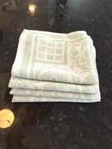 4 Vintage Serviettes - $18.70