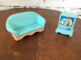 Vintage Fisher Price Sofa Couch And TV With Horse Display - $13.86
