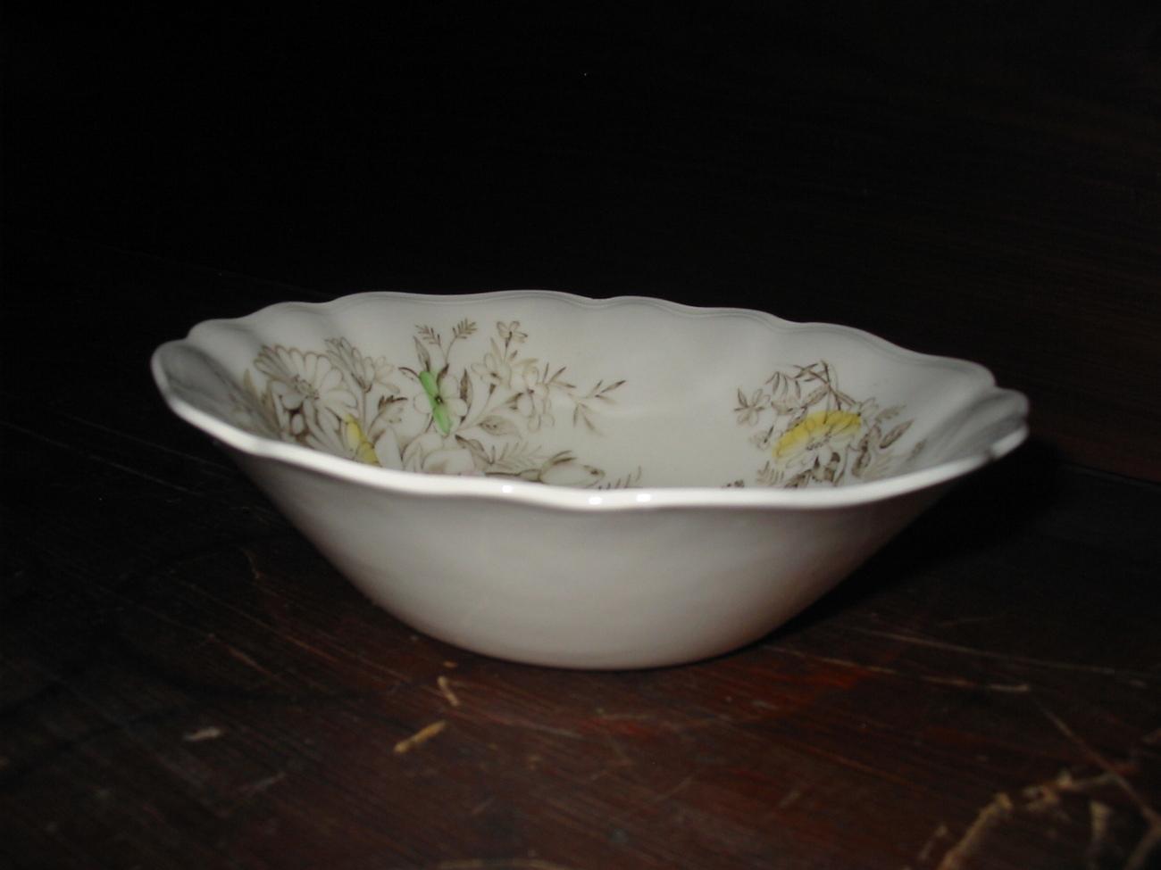 English Staffordshire Devonshire Soup/Fruit Bowl - $3.00