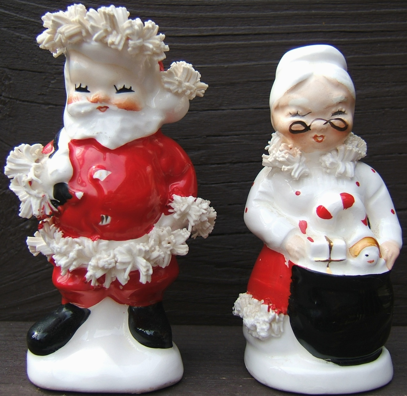 Vintage NAPCO SANTA and MRS CLAUS CHRISTMAS Ceramic Salt Pepper Shaker Set 1950s - $124.99