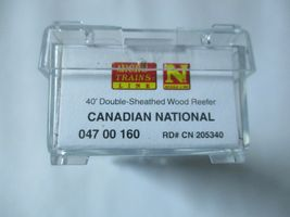 Micro-Trains # 04700160 Canadian National 40' Double-Sheathed Wood Reefer (N) image 5