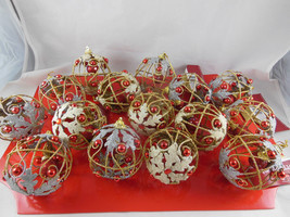 Wired Ornament Balls Christmas Snowflake Gold & Silver Tone & Red  Lot o... - $16.62