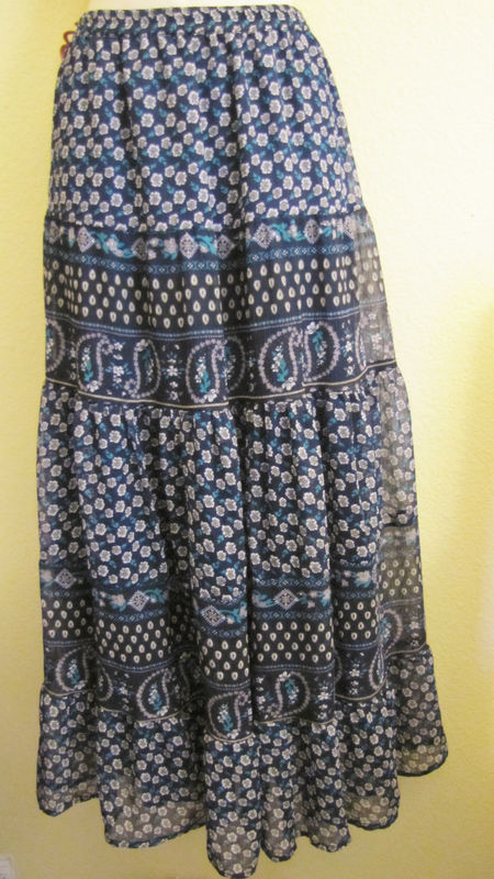 NWT SOLITAIRE CHIFFON TIERED BOHO MAXI LONG SKIRT, SZ L LARGE, NAVY,FLOWER PRINT