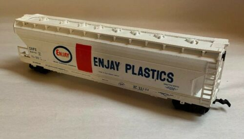 Primary image for Enjay Plastics Freight Chemical Company White red blue Train SHPX 52701 Bachmann