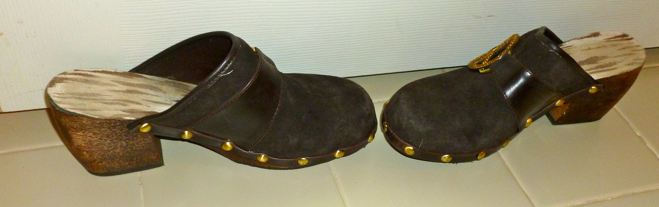 Too Lips clogs size 8