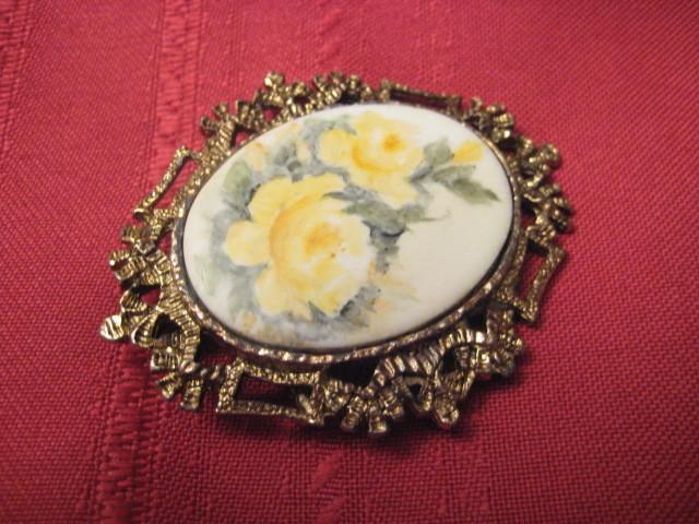 Vintage Enameled Hand Painted On Porcelain Brooch/Pedant