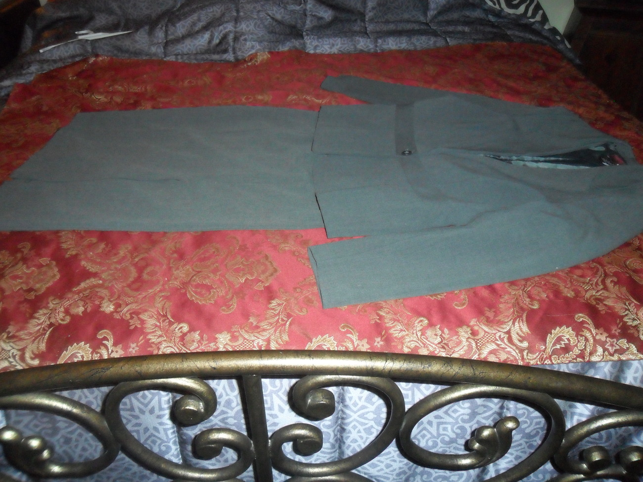 Two Piece Ladies Gray Suite Like New