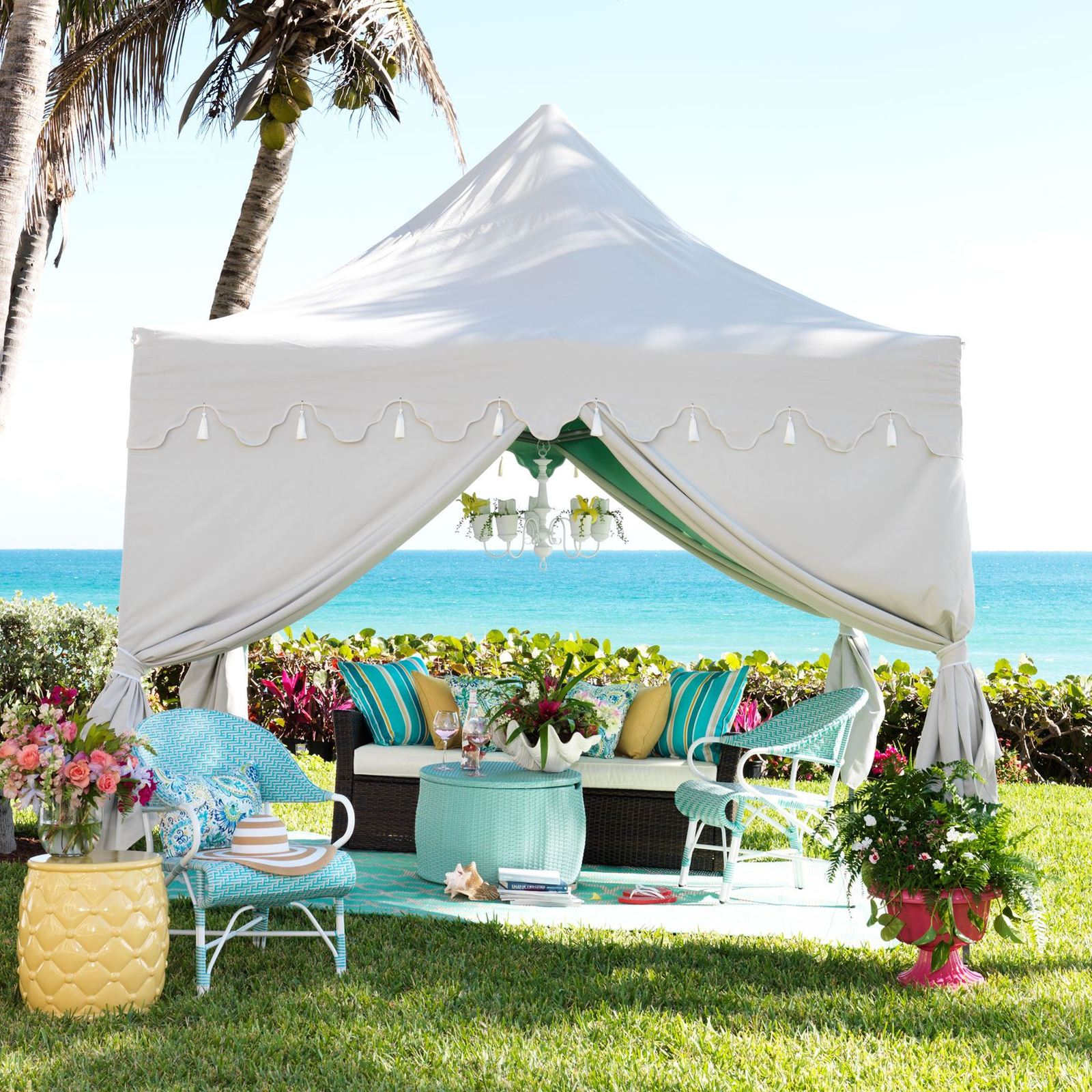Outdoor Patio Gazebo w/ Scalloped Edges and Tassles 10'x10' Backyard Canopy Tent
