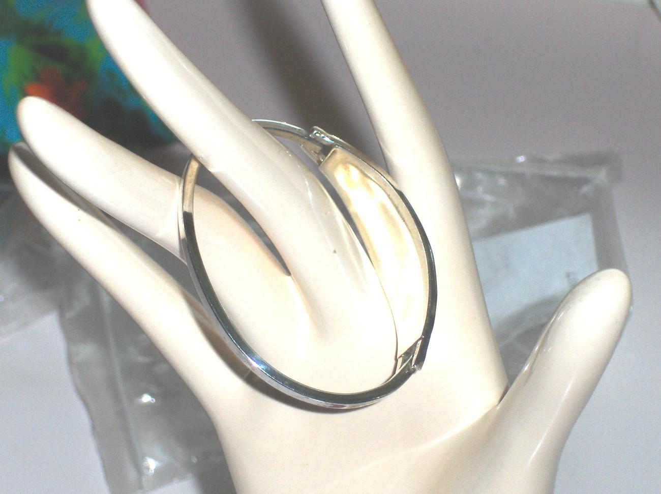 Vintage Inlaid and Enameled Flower Bracelet
