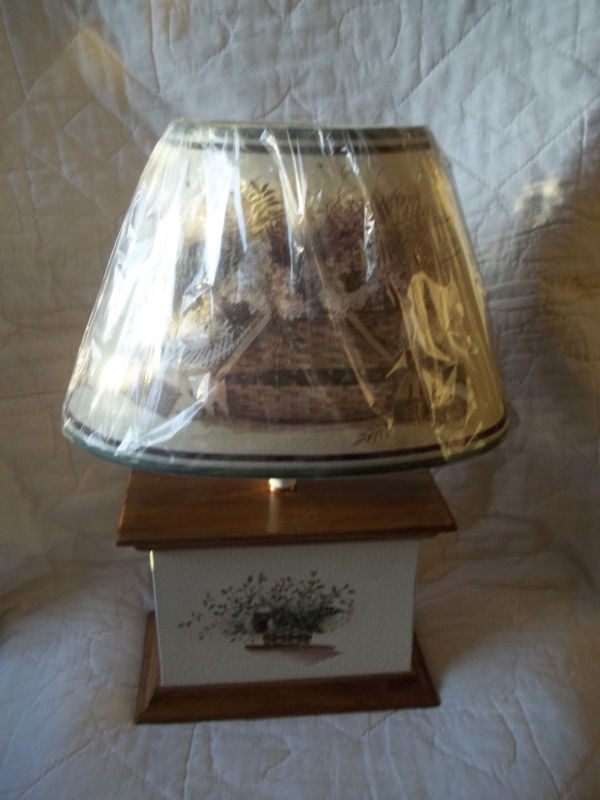 PAT RITCHER TABLE LAMP CRACKLE GLAZE GATHERING BASKET SHADE NWT MINT MSRP $90