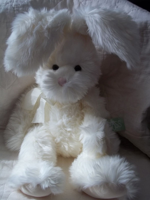 "RUSS BERRIE 18"" OFF-WHITE PLUSH BUNNY RABBIT ROAKER NWT"