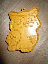 Vintage 1970's Hallmark Tan Retro Plastic Owl Cookie Cutter - $6.99