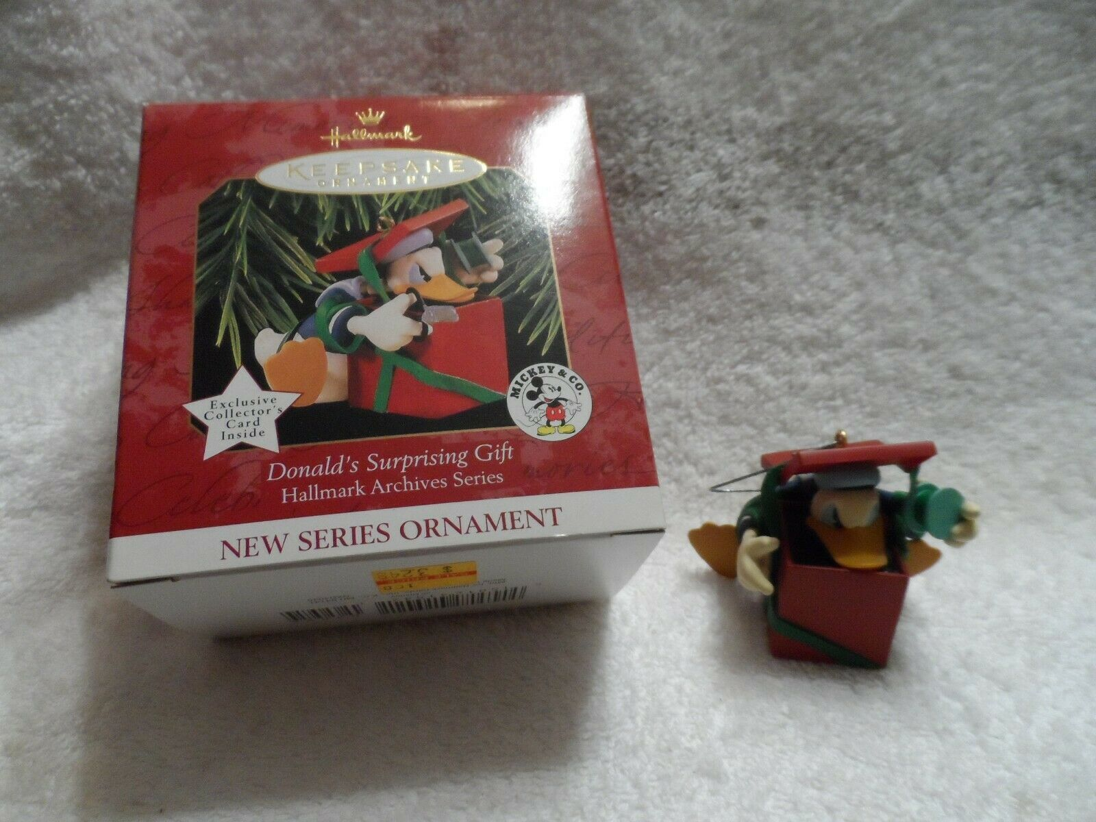 Primary image for Hallmark Keepsake Ornament Disney Donald's Surprising Gift Archives Series