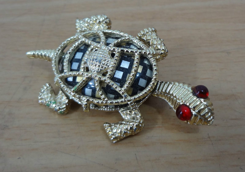 Turtle Pin Goldtone with Red Eyes 2 1/2 inches Vintage