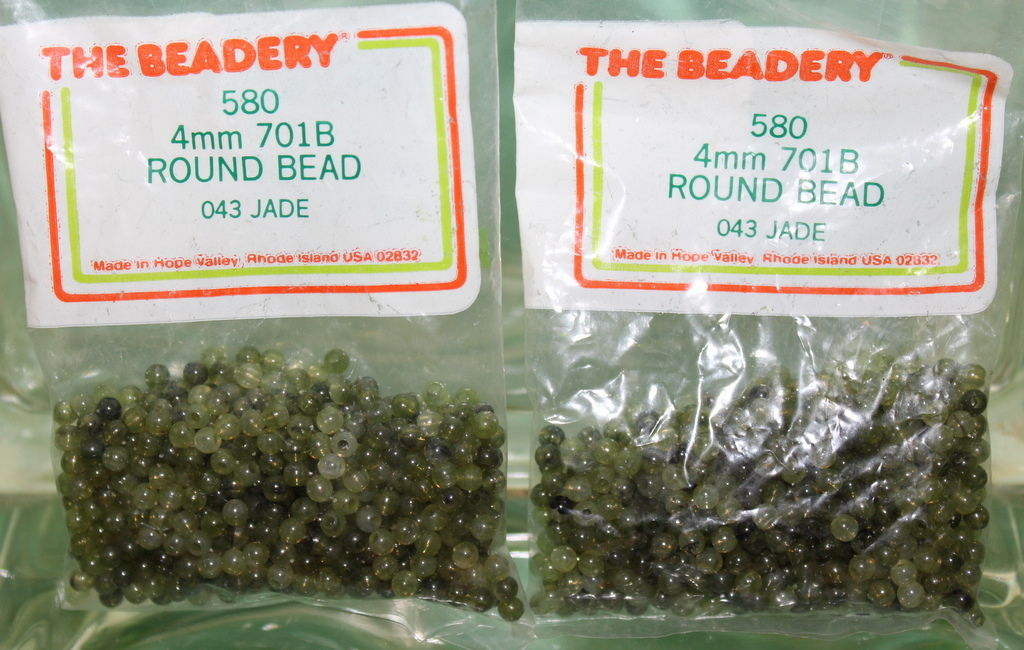 4mm ROUND BEADS THE BEADERY PLASTIC JADE 2 PACKAGES 1,160 COUNT