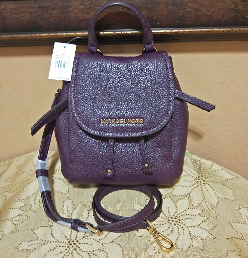 dc1877b105bb Michael Kors Riley small Leather flap and 50 similar items