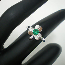 Irish Three Leaf Clover Shamrock Ring - Emerald Green Color CZ - 925 Sil... - $20.00