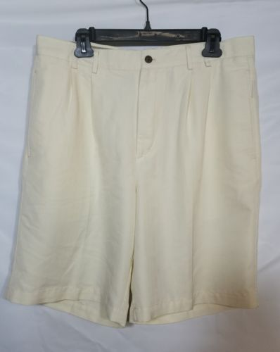 CARRIBEAN JOE MEN'S GOLF SHORTS PLEATED CREME COLOR POLYESTER SIZE 34 EUC