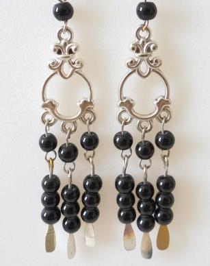 BLACK CHANDELIER EARRING